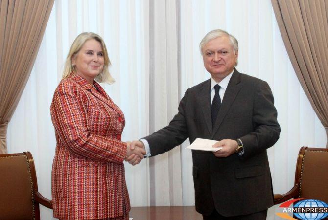 Новоназначенный посол Финляндии вручил копии верительных грамот главе МИД РА