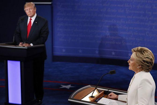 """Клинтон лидирует в """"колеблющихся"""" Пенсильвании и Флориде: опрос"""