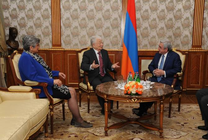 President Sargsyan receives renowned scientists Yuri Oganessian and Ani Aprahamian