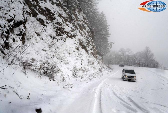 ՀՀ տարածքում կան դժվարանցանելի ավտոճանապարհներ. Վերին Լարսում կուտակվել է 280 բեռնատար
