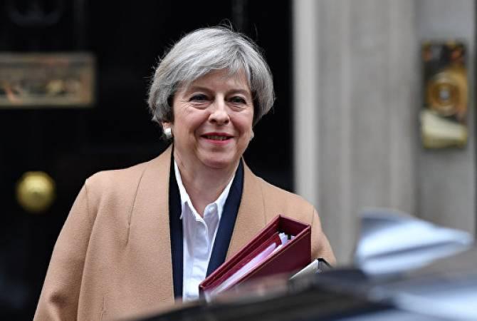 Опрос: почти три четверти британцев недовольны работой Мэй на посту премьера