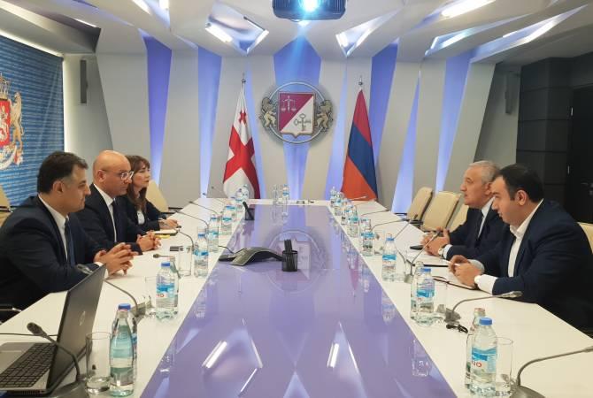 Рубен Садоян встретился с министром финансов Грузии