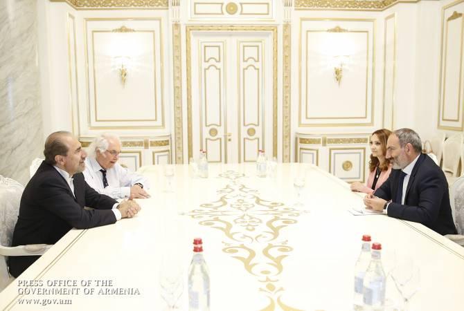 Премьер-министр Армении принял Гаро Армена и Тони Шафрази