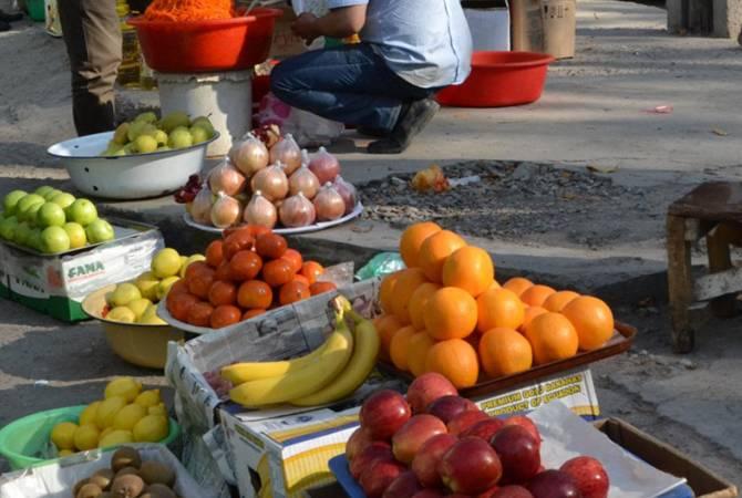 Валерий Осипян считает уличную торговлю незаконной