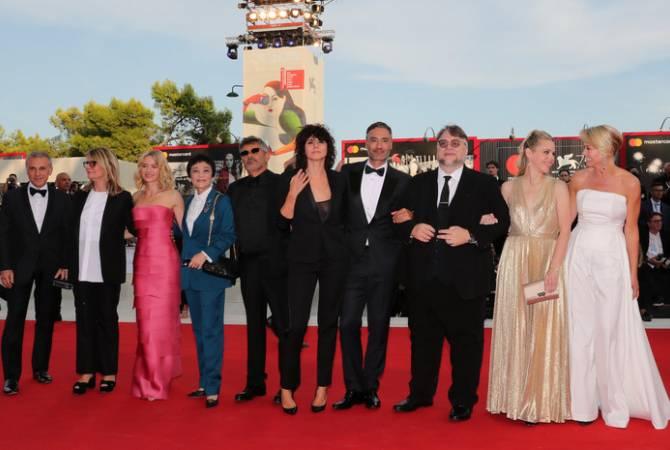 Международный Венецианский кинофестиваль открылся на острове Лидо в Италии