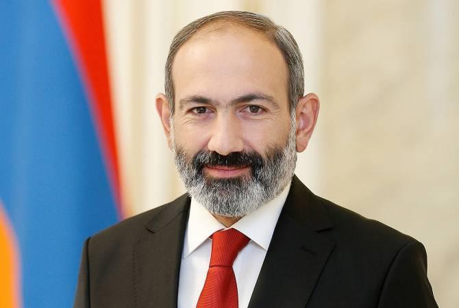 Премьер-министр Армении Никол Пашинян поздравил президента Кыргызстана Сооронбая Жээнбекова с Днем независимости