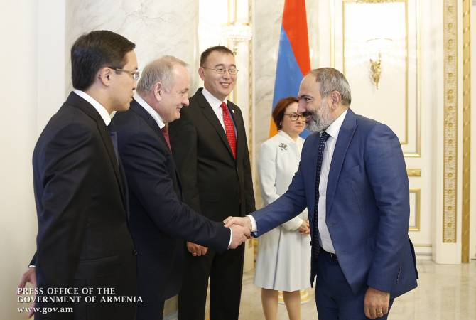 Armenian PM meets with EEU cenbank governors