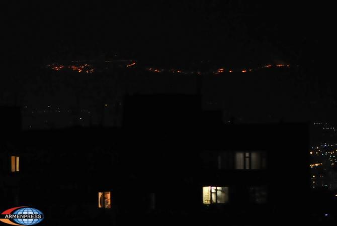 На склоне горы Арарат широкомасштабный пожар: МЧС