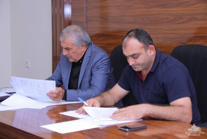 Постоянная комиссия НС Республики Арцах по государственно-правовым вопросам обсудила законопроекты