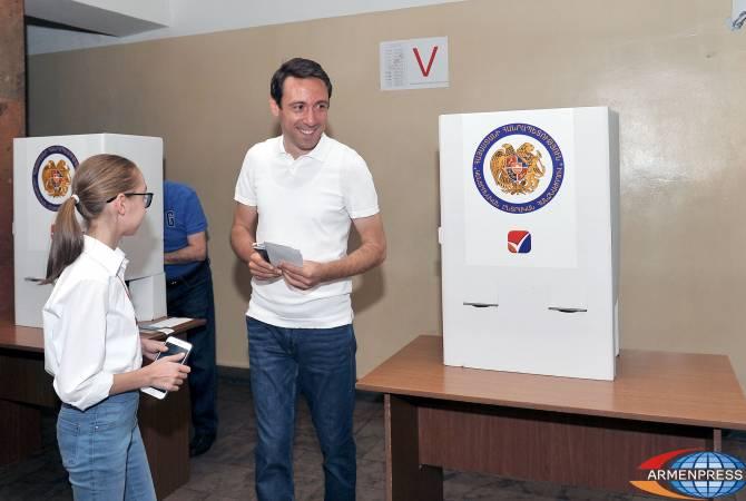 По предварительным итогам, блок «Мой шаг» набрал на выборах 81.06% голосов