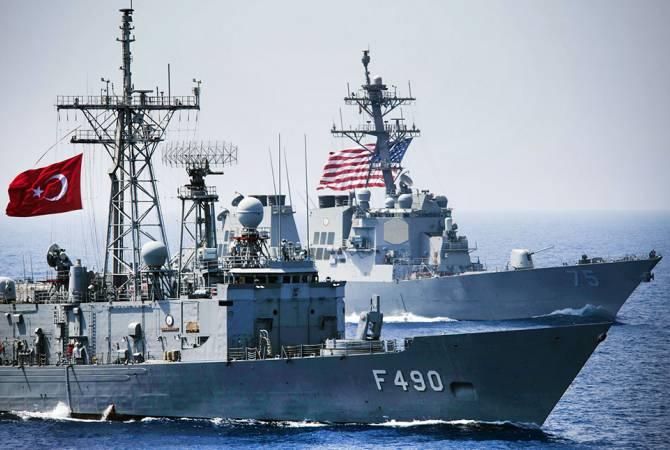 Турция проведет совместные с США учения в Средиземном море