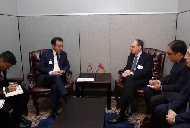 Армения и Монголия упразднили визовый режим для обладателей дипломатических и служебных паспортов