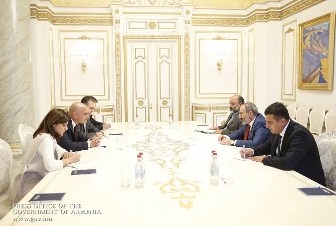 Никол Пашинян принял вице-председателя фонда «Измирлян» Грега Джереджяна