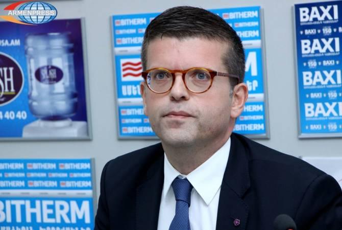 Французский парламентарий призвал Макрона, учитывая Геноцид армян, не приглашать Эрдогана в Париж