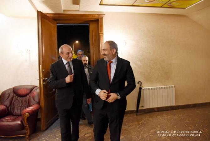 Никол Пашинян с рабочим визитом находится в Арцахе