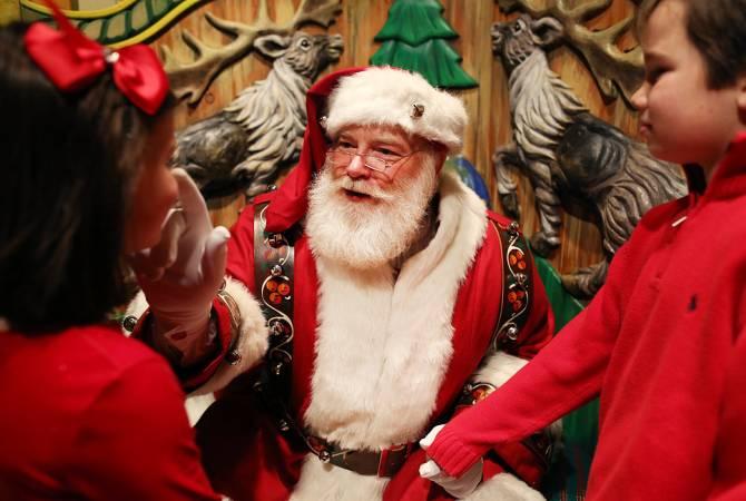В США уволили учительницу, рассказавшую ученикам, что Санта-Клауса не существует