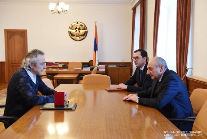 Бако Саакян выразил благодарность члену Союза армянских врачей Франции Жану- Мишелю Экеряну