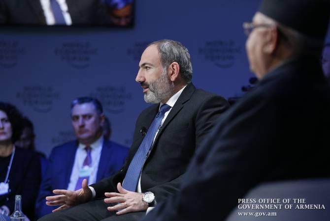 Пашинян в Давосе поговорил о роли социального медиа в современном мире