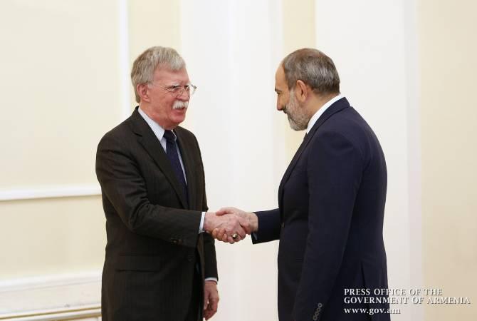 США поддерживают усилия Пашиняна по обеспечению благополучного будущего Армении: Джон Болтон