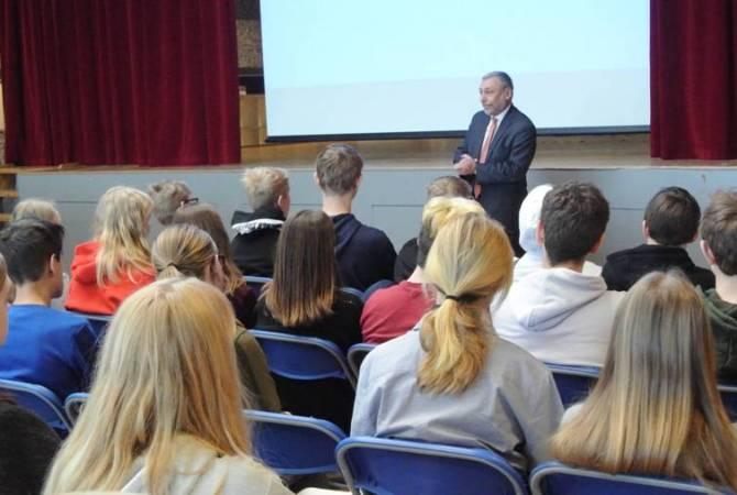 В одной из школ Дании состоялась лекция, посвященная Геноциду армян