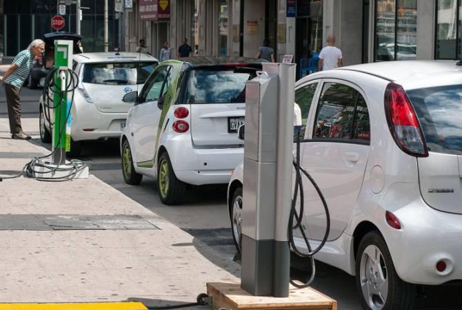 Число автомобилей на новых источниках энергии в Шанхае в 2018 году стало рекордным