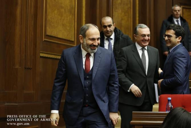 В НС Армении продолжается обсуждение программы правительства