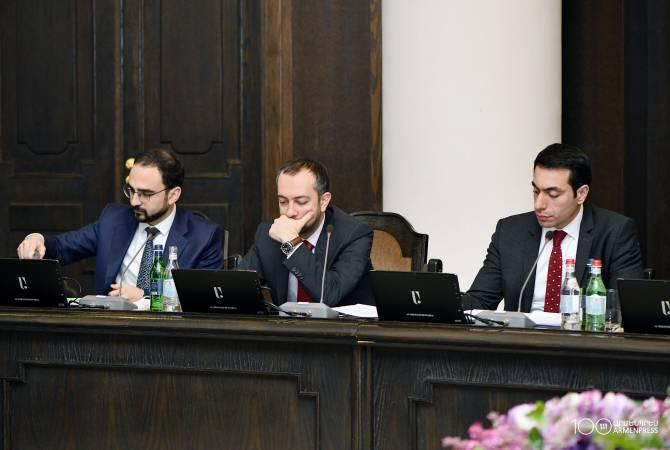 Руководитель администрации премьер-министра Армении будет еженедельно докладывать Пашиняну о ходе исполнения его поручений