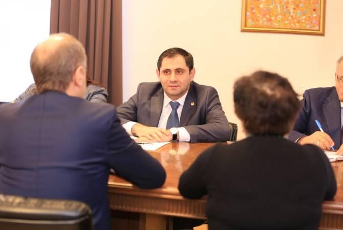 Сурен Папикян принял посла Швейцарии