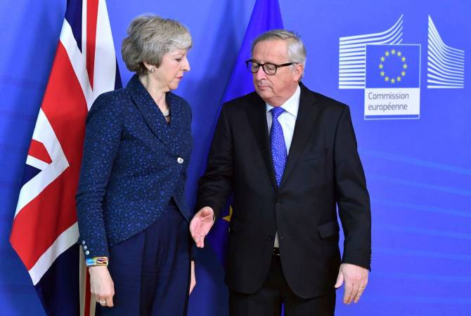 Юнкер и Мэй заявили о необходимости достичь сделки по Brexit до мартовского саммита ЕС