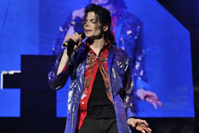 Радиостанции в Канаде перестали ставить песни Джексона из-за новых обвинений в его адрес