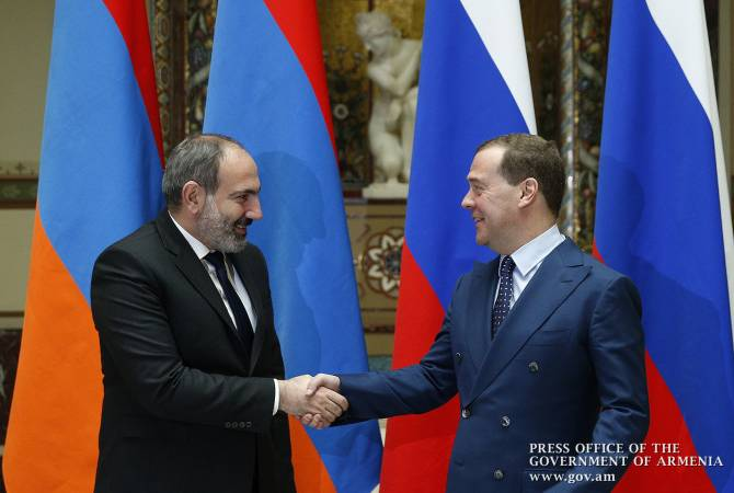 Armenian, Russian PMs discuss Eurasian inter-governmental council's upcoming session over 