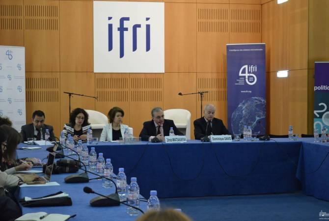 Зограб Мнацаканян провел обсуждение на высоком уровне во Французском институте международных отношений