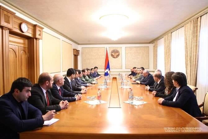 Президент Арцаха обсудил с делегацией правительства РА широкий круг вопросов, касающихся сотрудничества двух республик