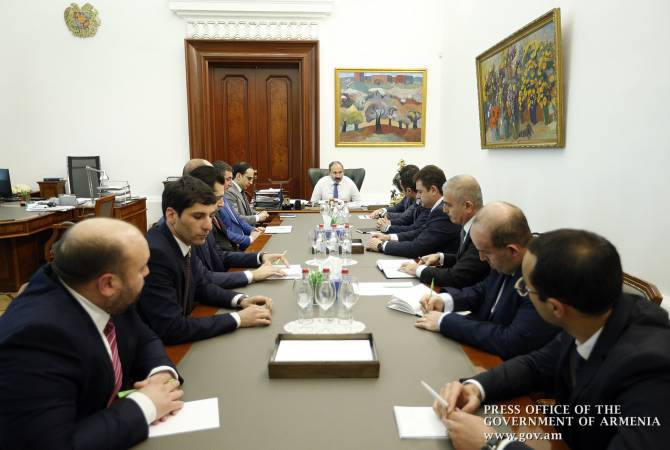 PM Pashinyan holds consultation with governors