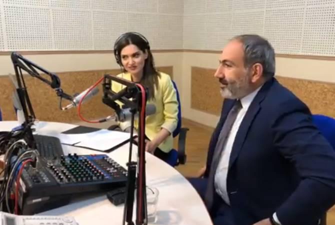 В День радио премьер-министр Пашинян неожиданно посетил Общественное радио