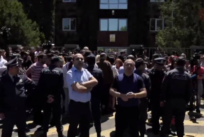 Opposing demonstrations underway outside courthouse ahead of ex-President Robert 