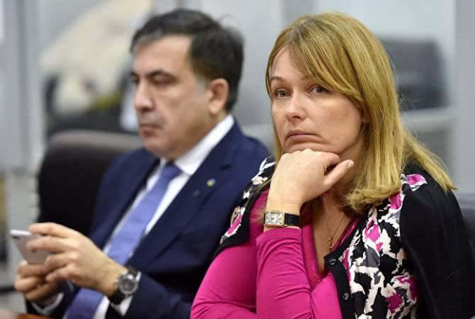 Супруга Саакашвили готова обойти пешком Грузию для борьбы с властями