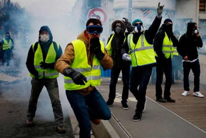 """Во Франции проходит 28-я манифестация """"желтых жилетов"""""""