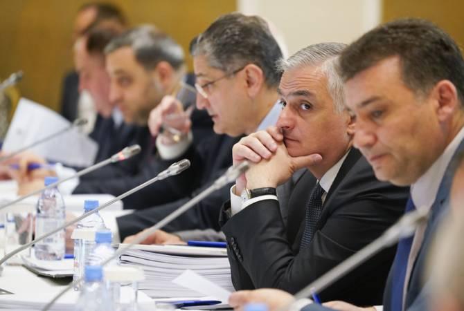 На заседании ЕЭК обсуждался вопрос о снижении пошлин на ввоз некоторых товаров в единое таможенное пространство