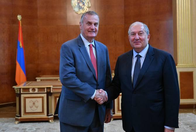 Armenian head hosts ex- US citizen confidence Advisor James Jones