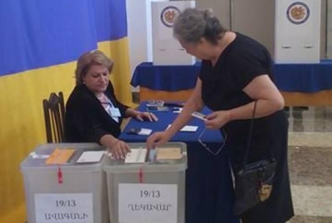 По данным на 11։00 часов, явка на выборах ОМС составила 10, 46%