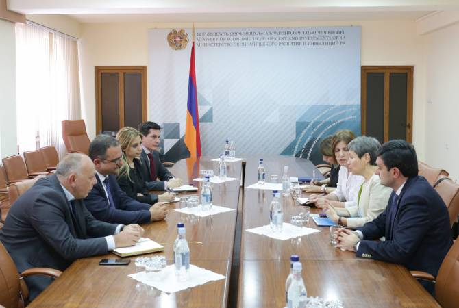Armenian minister, Mexican emissary chat about cost-effective collaboration opportunities