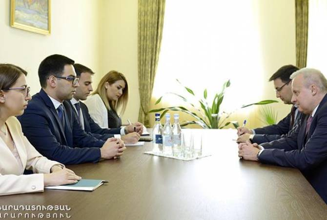 Armenian justice minister holds meeting with Russian Ambassador