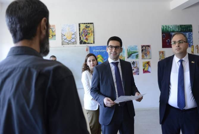 """Министр юстиции Рустам Бадасян посетил уголовно-исполнительное учреждение """"Армавир"""""""