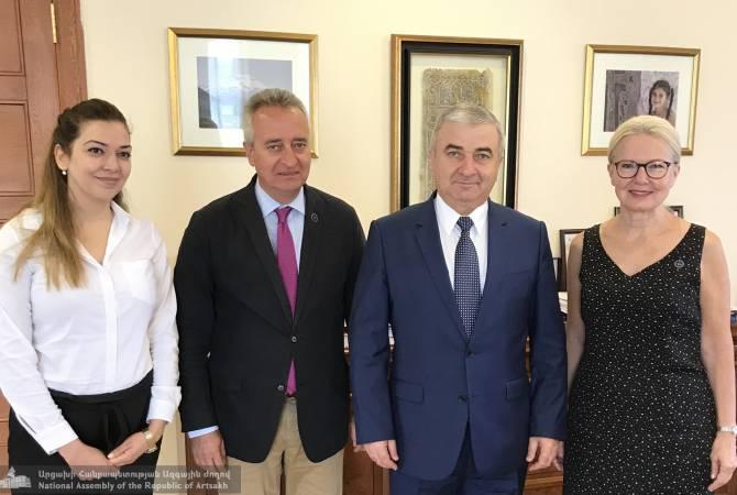 Ашот Гулян с президентом Американского университета Армении обсудил вопросы образовательной сферы
