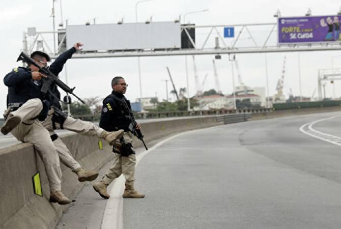 Globo: захвативший заложников в Рио-де-Жанейро нейтрализован