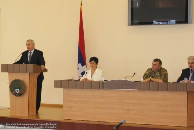Ашот Гулян провел урок независимости для студентов Арцахского государственного университета