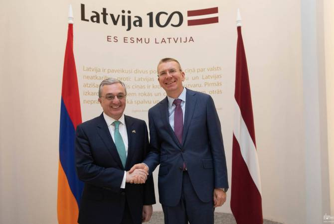 Armenian FM meets with his Latvian counterpart in Riga