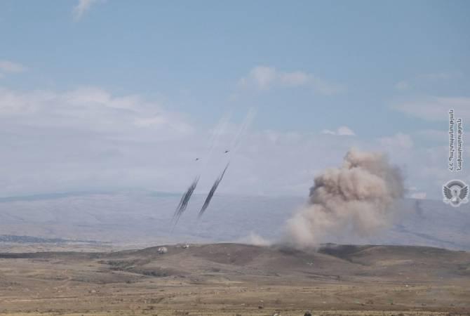 В ходе учений были использованы 500-килограммовые снаряды армянского производства