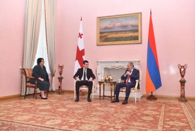 Cérémonie d'accueil du Premier ministre géorgien Giorgi Gakharia
